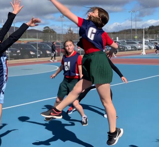 children playing netball